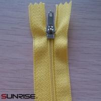 Quality High quality white seperating ykk wholesale open end S60 woven zippers for garments for sale