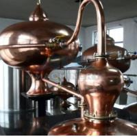 Quality Home alcohol distiller, alcohol distillation equipment & Vodka,Whiskey,Gin Copper Distillery For Sale for sale