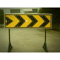 Curve Guidance LED Flashing Arrow Board Customized Solar Road Sign 400×1200 mm