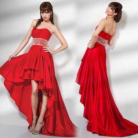 Красные платья со шлейфом