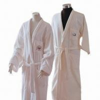China Luxury SKY Hotel Bathrobe for Men and Women, Available in Various Colors and Sizes on sale