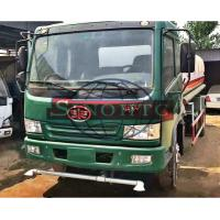 Quality 4x2 FAW Water Tanker Truck 4000 - 6000 Liters Tanker Volume Manual Gearbox for sale