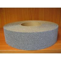 China aluminum oxide waterproof abrasive cloth roll on sale