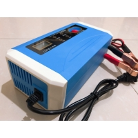 Quality Motorcycle Truck 12V 10A Car Battery Charger  Heat Dissipation for sale