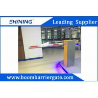 Quality 220 V Green Entrance Parking Boom Barrier Gate With Aluminum Alloy Folding Arm for sale