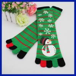 Quality Wholesale custom christmas snowman design five toes knee high tube socks for sale