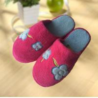 Quality OEM flange super warm outdoor flat woman slipper for sale