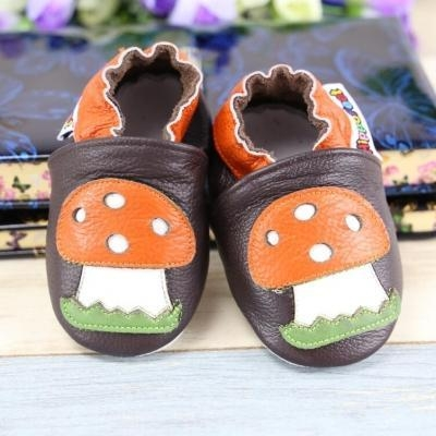 Buy shoes series YWL1156 at wholesale prices